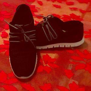 Cole Hana Sneakers
